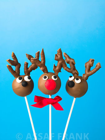 Group of three reindeer pop cakes
