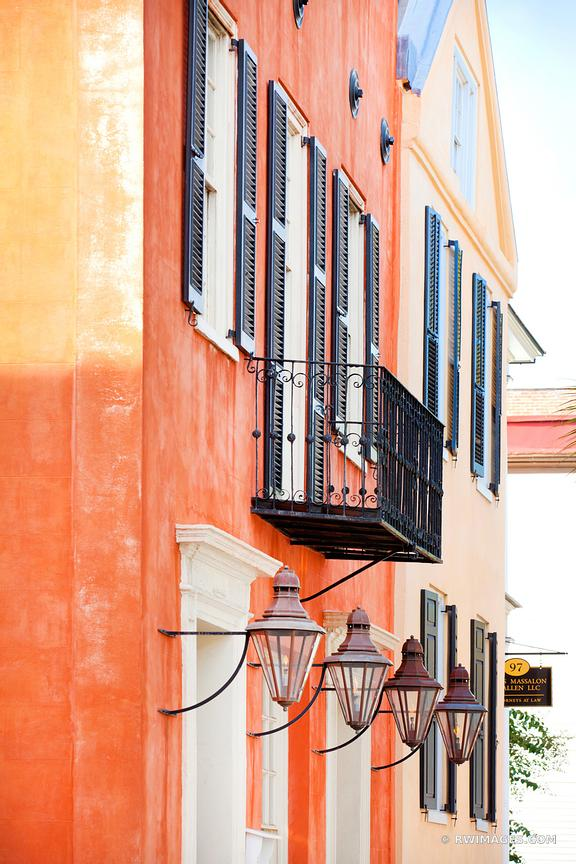 CHARLSESTON SOUTH CAROLINA ARCHITECTURE COLOR VERTICAL