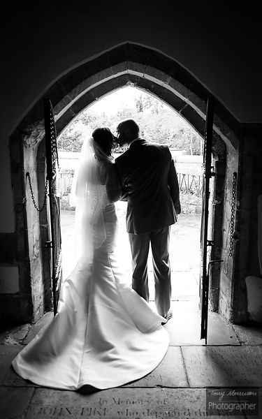 Wedding at The Old Passage, Arlingham, Gloucestershire, UK, Blundsdon House Hotel, Swindon, Wiltshire