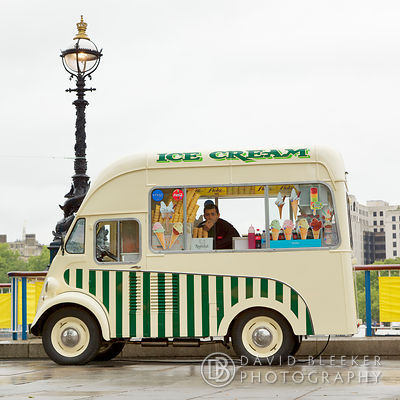 Morris J-type Ice Cream Van