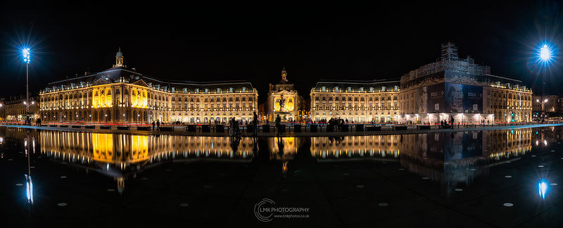 The Miroir d'eau Dark Night