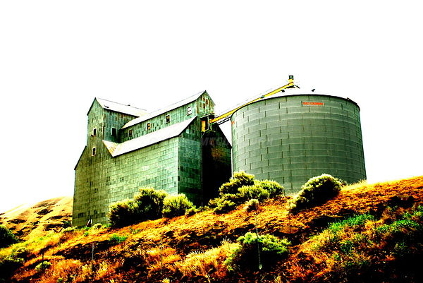 Rufus Oregon Grain Elevator surreal