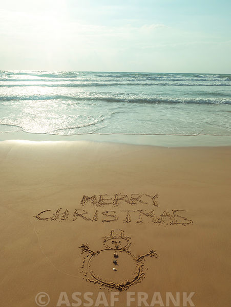Merry Christmas - Beach writing