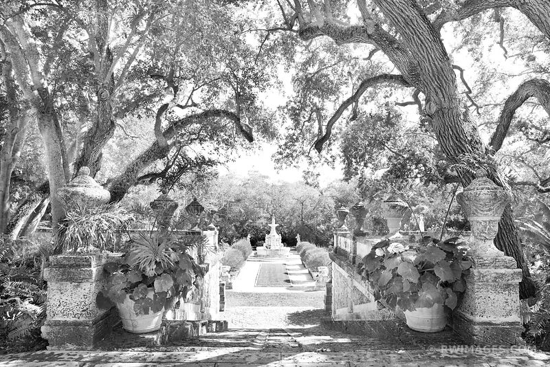 VILLA VIZCAYA MUSEUM AND GARDENS COCONUT GROVE MIAMI FLORIDA BLACK AND WHITE