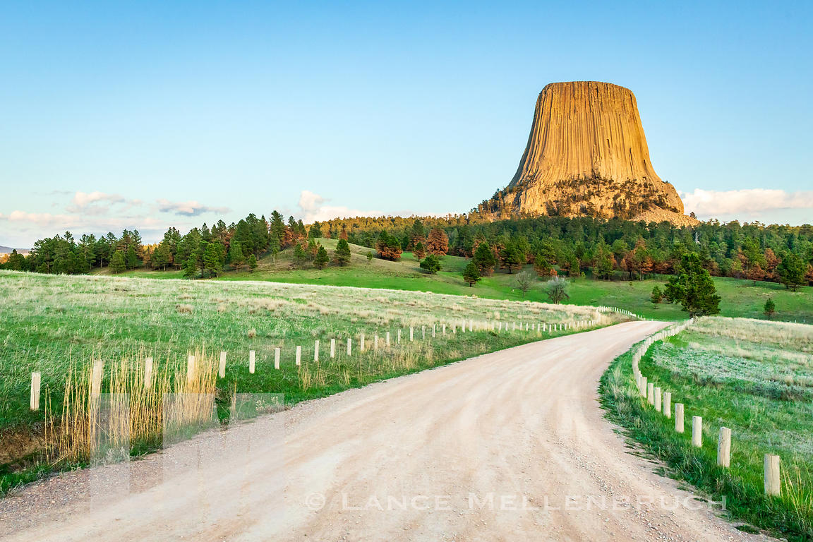 Road leading to the north side of Devils tower.