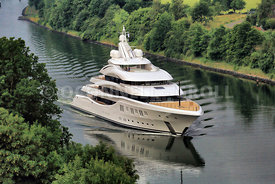 Superyacht Lady Lara