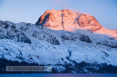 BP2297 - Slioch, from Loch Maree, Winter