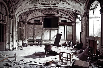 This is an early 1900's 5 star hotel in Detroit, Michigan.  The piano is still present in the hotel's grand ballroom.