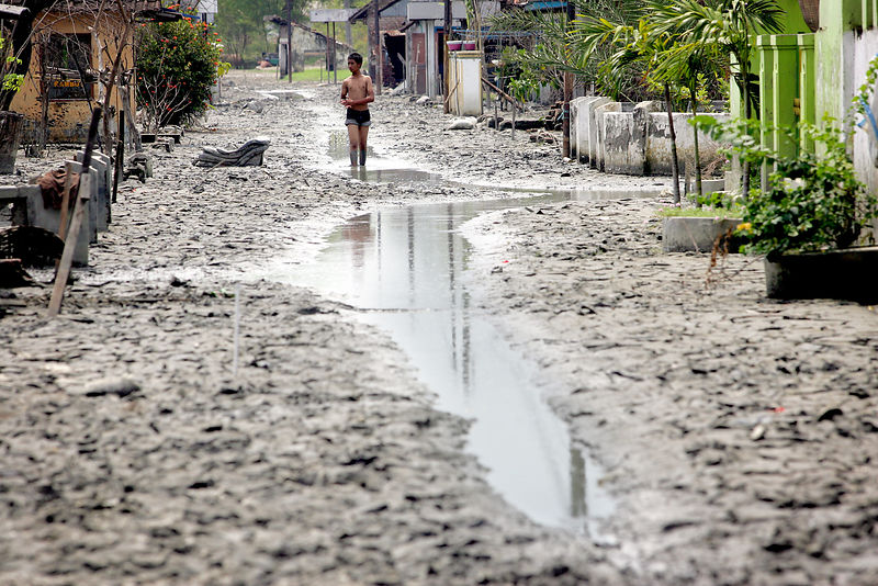 Lapindo mudflow disaster near Sidoarjo, April 19 2008