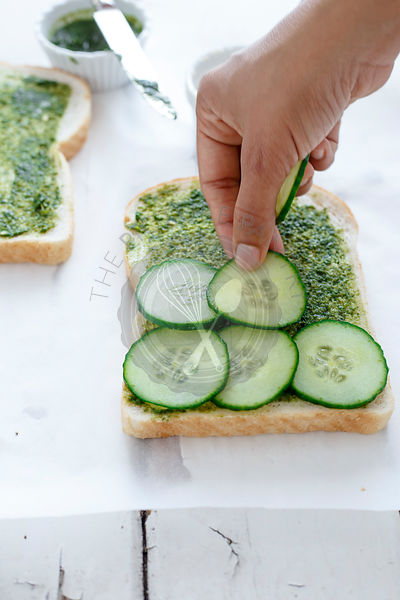 Preparation of Mumbai's Veg Sandwich