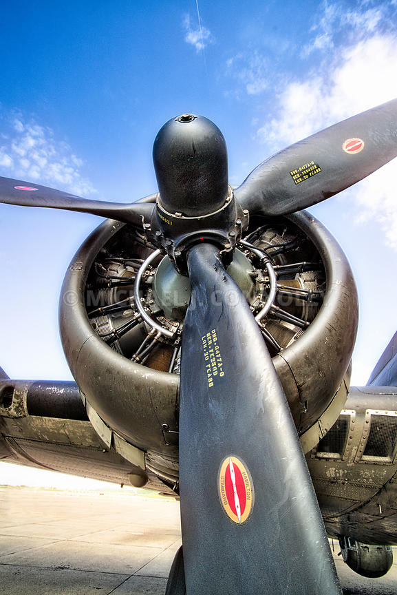 Memphis Belle- Engine & Propeller
