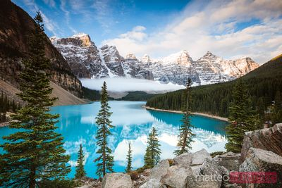 Lago Moraine in autunno, Banff National Park, Canada
