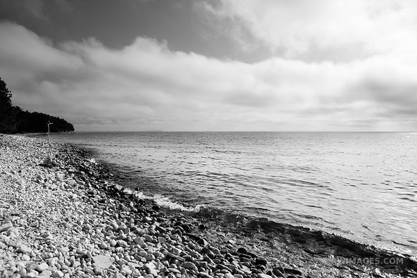 ROCKY BEACH LAKE MICHIGAN WASHINGTON ISLAND DOOR COUNTY WISCONSIN BLACK AND WHITE