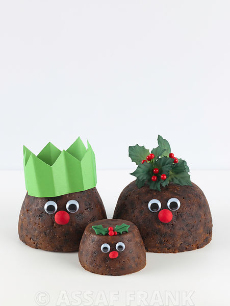 Christmas puddings as a family