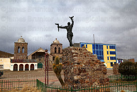 Monument to indigenous leader Túpac Katari in main square and colonial church, Ayo Ayo, La Paz Department, Bolivia