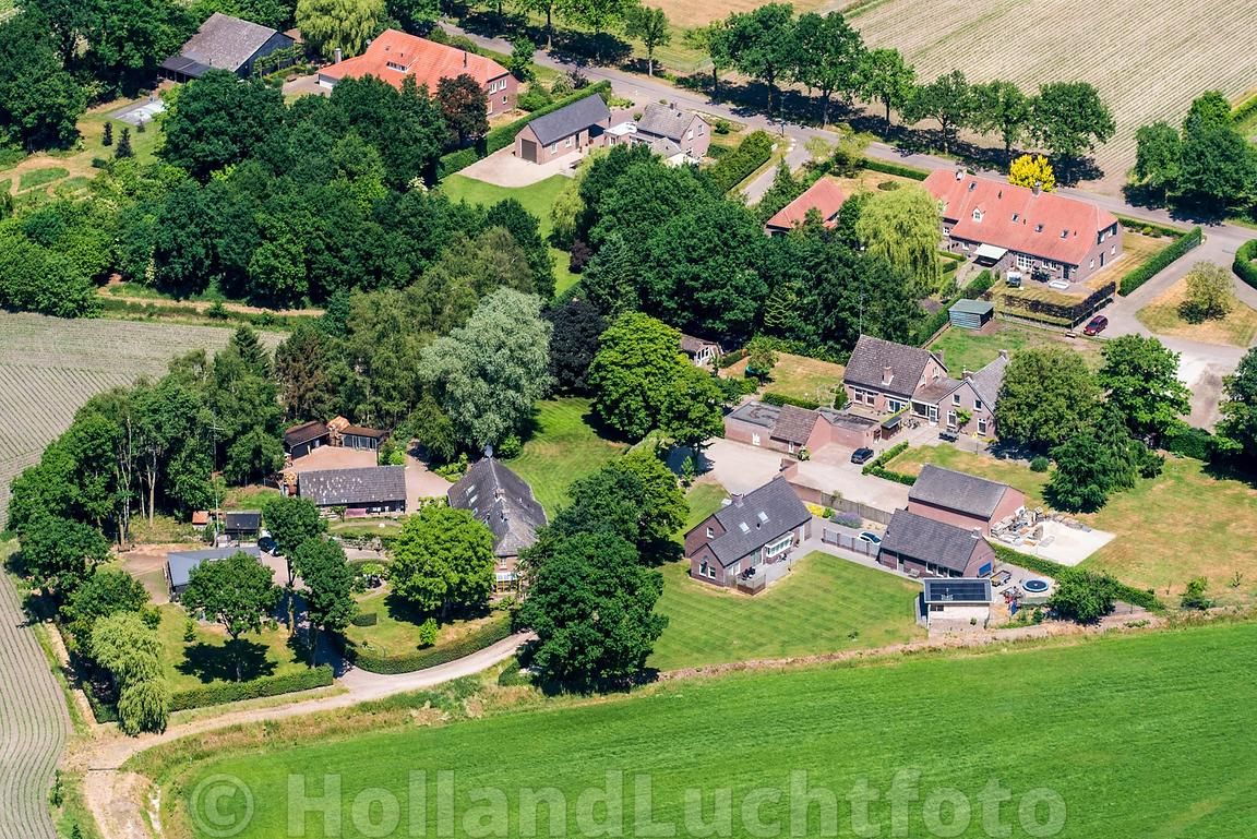 Wintelre - Luchtfoto Mostheuvel