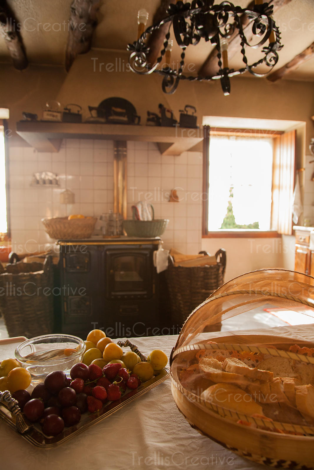 The farmhouse kitchen at the former Franciscan monastery, Quinta de Morrocos