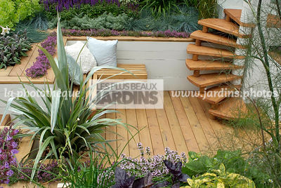 Bench, garden designer, Garden furniture, Perennial, Resting area, Small garden, Stair, Terrace, Thyme, Urban garden, Contemp...