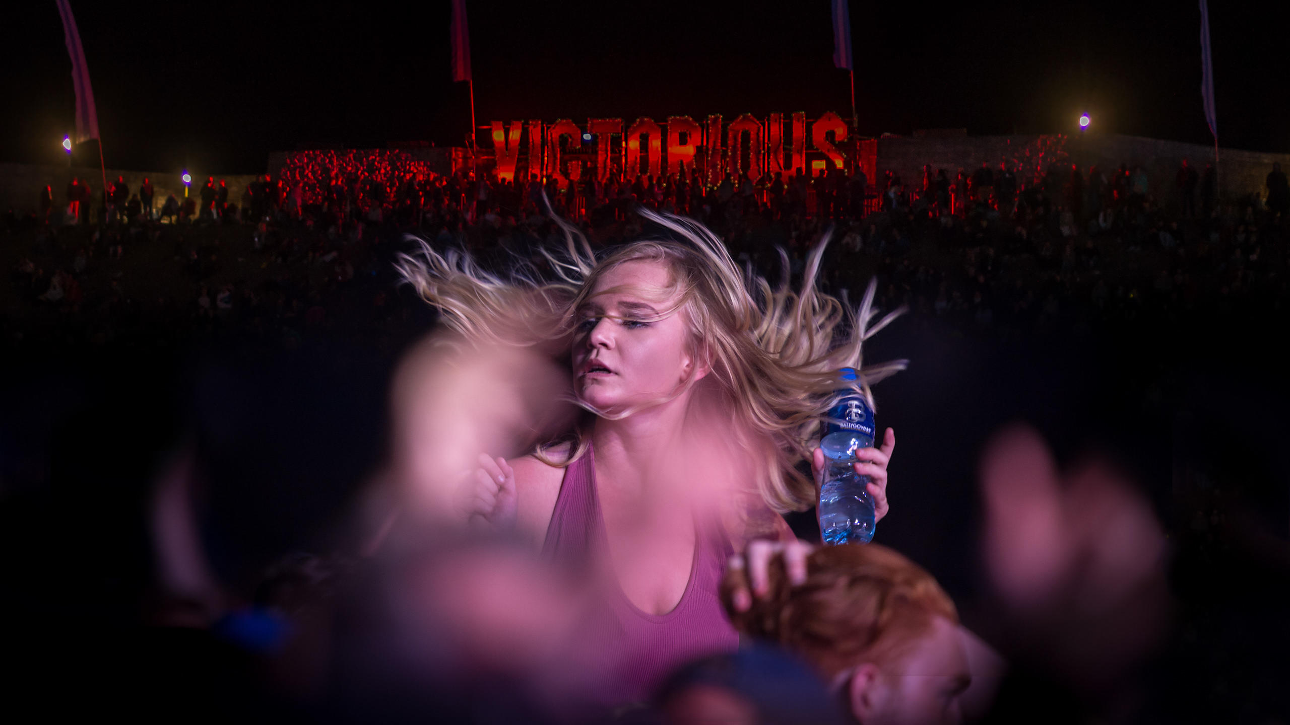 Girl Busting Some Moves at Annie Mac DJ Set - Victorious Festival 2016