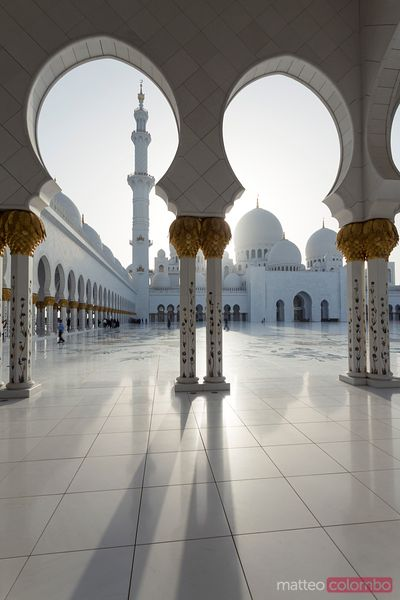 Ornate arches and mosque, Sheikh Zayed Grand Mosque, Abu Dhabi