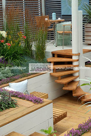 Aromatic plant, Garden chair, garden designer, Garden furniture, Garden table, Small garden, Stair, Terrace, Thyme, Urban gar...