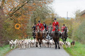 Quorn Huntsman Peter Collins and hounds