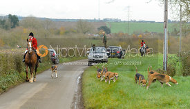 John Holliday and the Belvoir hounds - The Belvoir Hunt at Debdale Farm