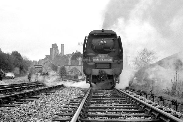 (WC) 34023  Corfe Castle