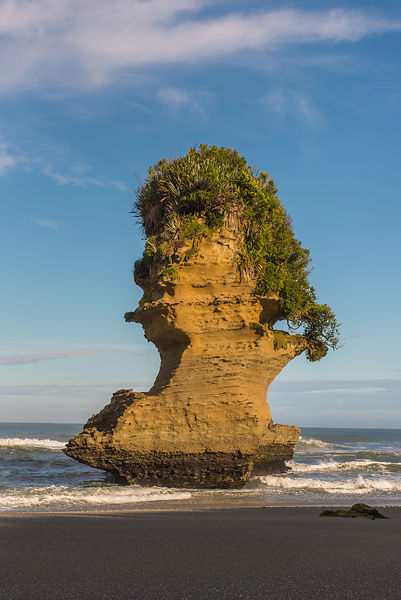 Sea stack, Punakaiki Beach