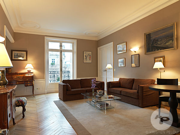 PRIVATE APARTMENT PARIS