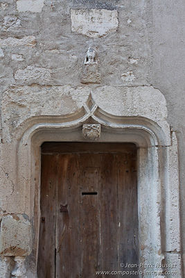 Vezelay: Shell on a Door