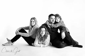 Portrait de famille en studio photo