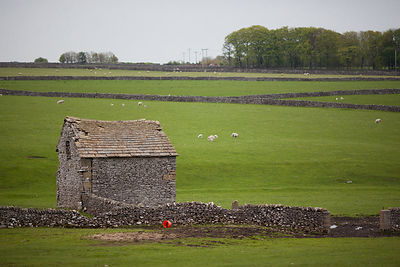 Old barn Near Foolow