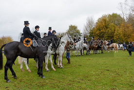 The side saddle ladies gather at the meet