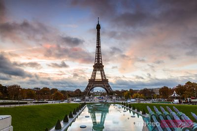 Eiffel tower reflected, Jardin de Trocadero at dawn, Paris, France
