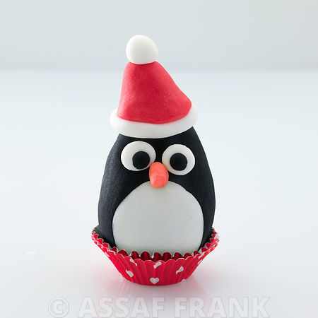 Christmas cupcake decorated with a penguin