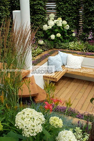 Bench, Border, Border with flowers, garden designer, Garden furniture, Resting area, Small garden, Terrace, Urban garden, Con...