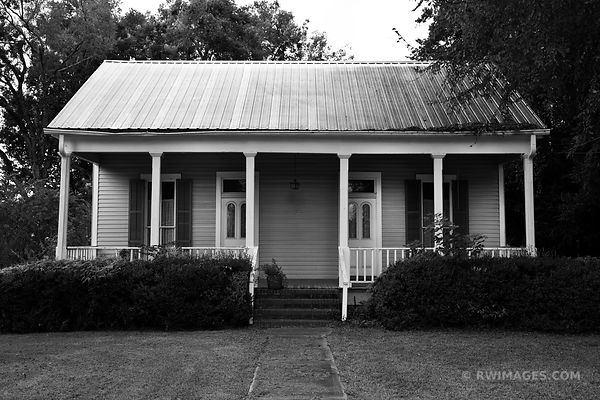 ST. FRANCISVILLE LOUISIANA BLACK AND WHITE
