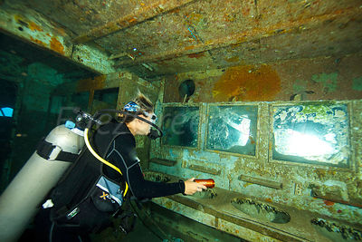 Diving on the Kitiwake wreck