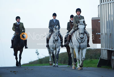 Monica Tebbutt-Wheat - The Cottesmore Hunt at America Crossroads 17/10