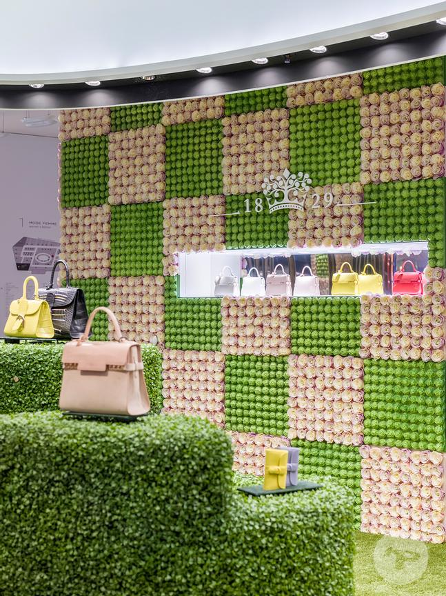 Retail architecture photographer - Pop-up store Delvaux, Galeries Lafayette. Photo ©Kristen Pelou