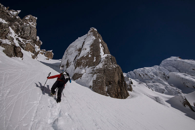 Ski pente raide : stage de ski de couloir avec un guide Alpes - Beaufortain