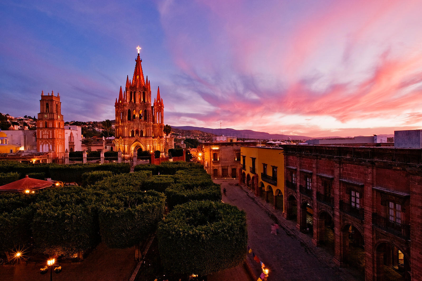 The Jardin and Parroquia at Dusk
