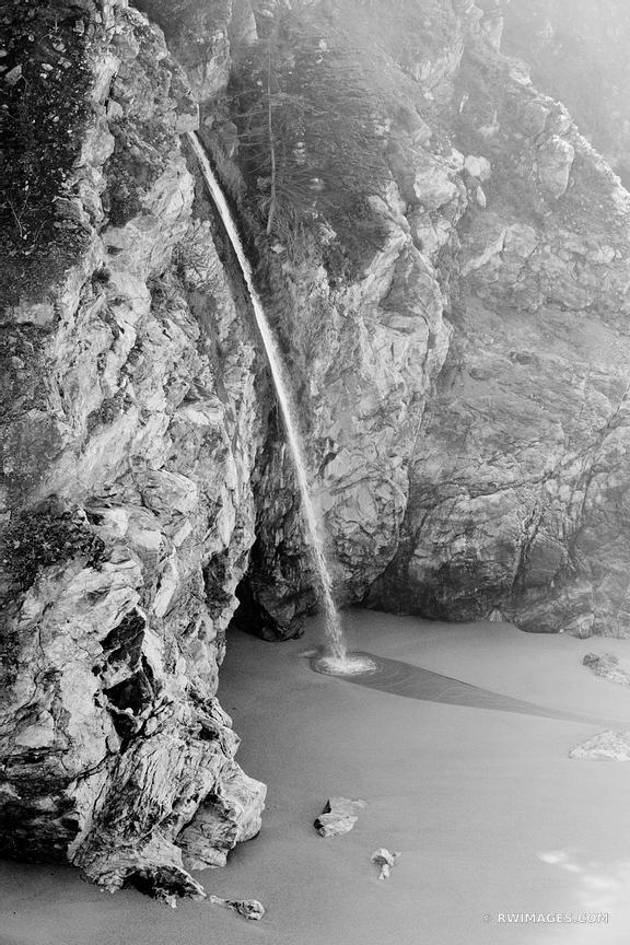 MCWAY FALLS JULIA PFEIFFER BURNS STATE PARK BIG SUR CALIFORNIA BLACK AND WHITE