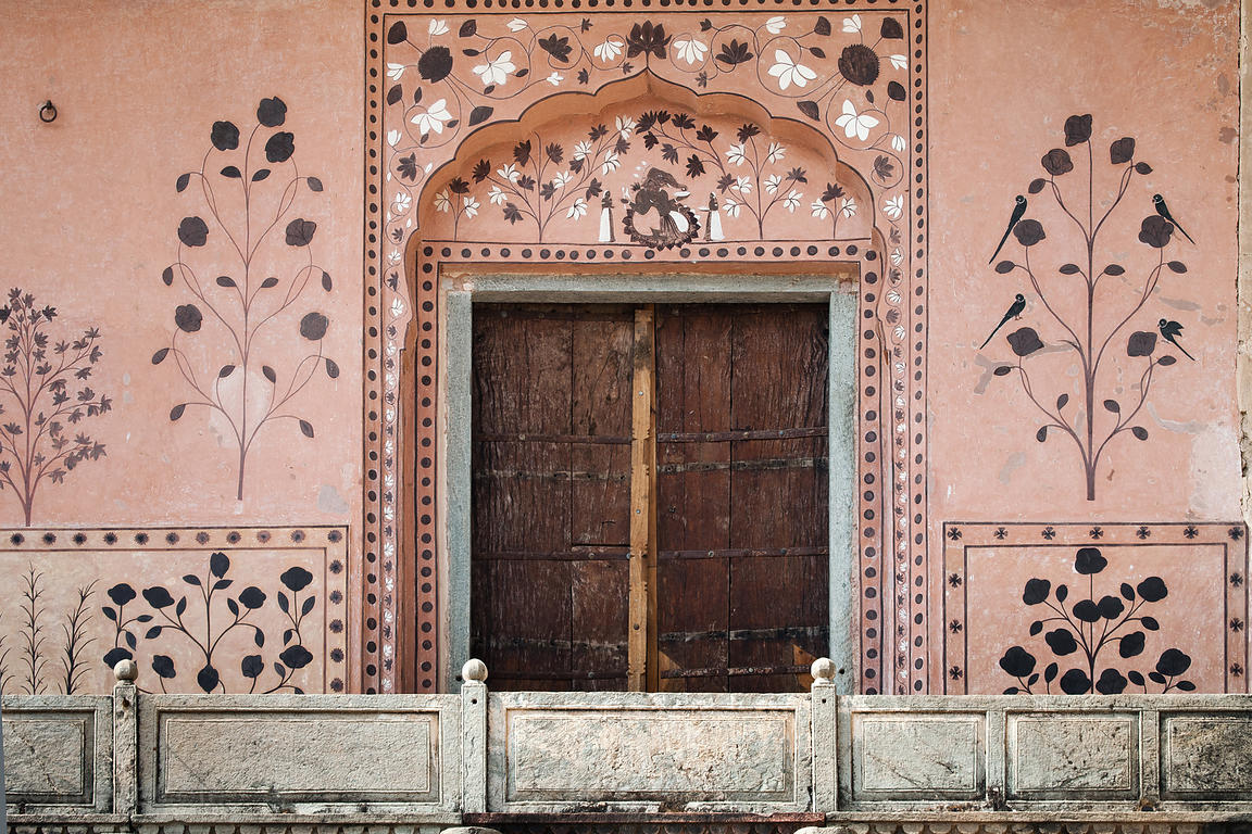 Brett Cole Photography Painted Wall At The Jaipur City Palace