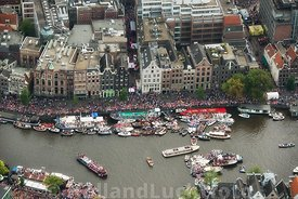 Amsterdam - Luchtfoto Canal Parade 08