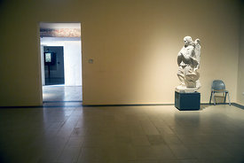 A statue at the Galeria Regionale di Palazzo Bellomo