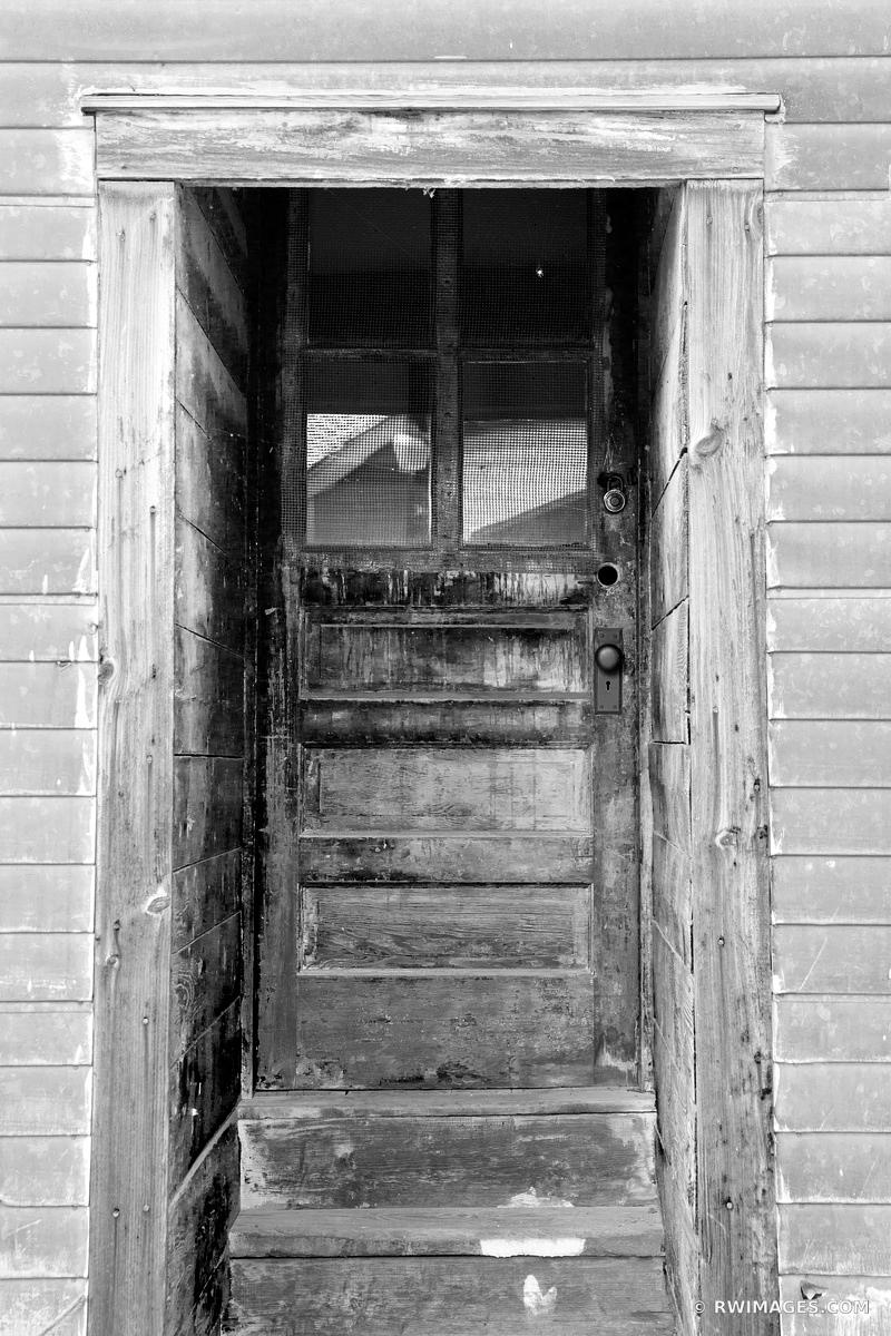 OLD DOOR RANDOLPH VERMONT BLACK AND WHITE