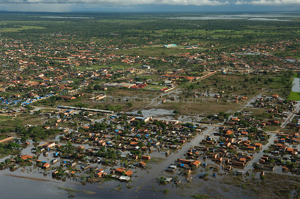 Aerial view of the ciy of Trinidad during the flood of summer 2008, after the waters have receded about one meter, in Beni De...