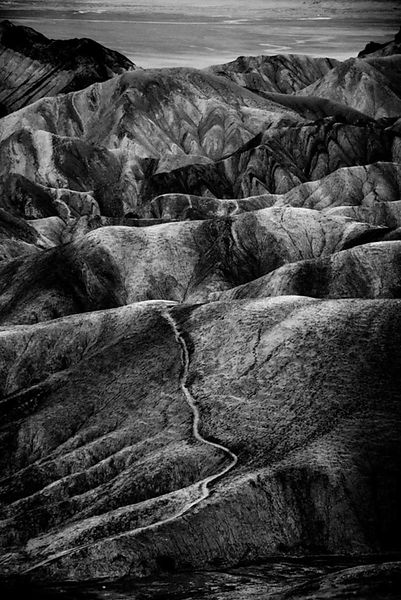 3417-Zabriskie_Point_Death_Valley_National_Park_USA_2014_Laurent_Baheux